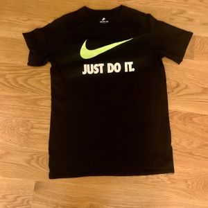 NWOT Nike ✔️ Just Do It Tee